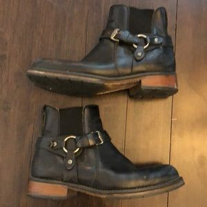 Harley Davidson black leather ankle boots.